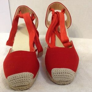 UNKNOWN BRAND RED ESPADRILLE WEDGE 8M